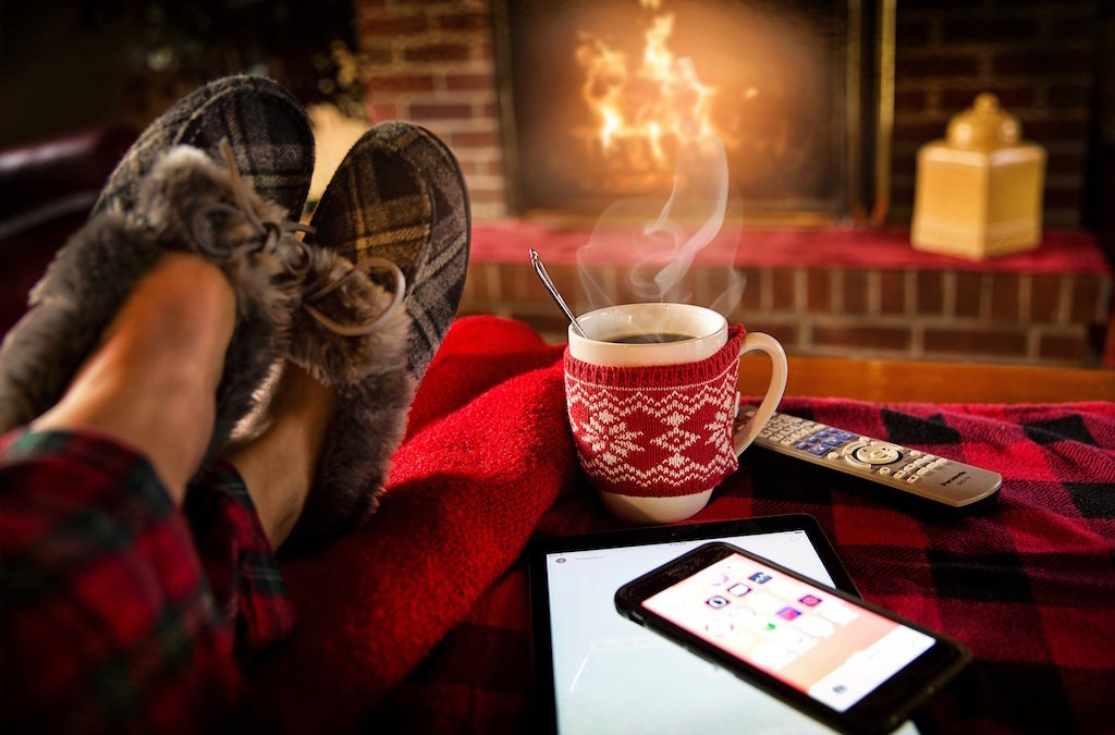 How To Stay Warm And Cozy Without Spending A Lot Of Money