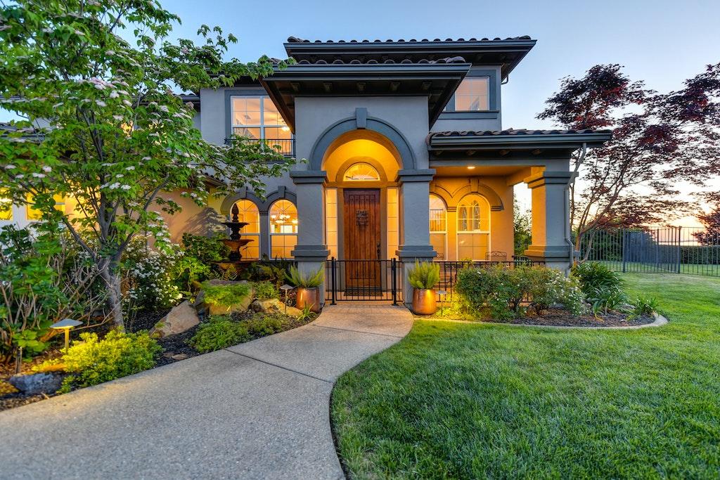 Real estate House w:garden