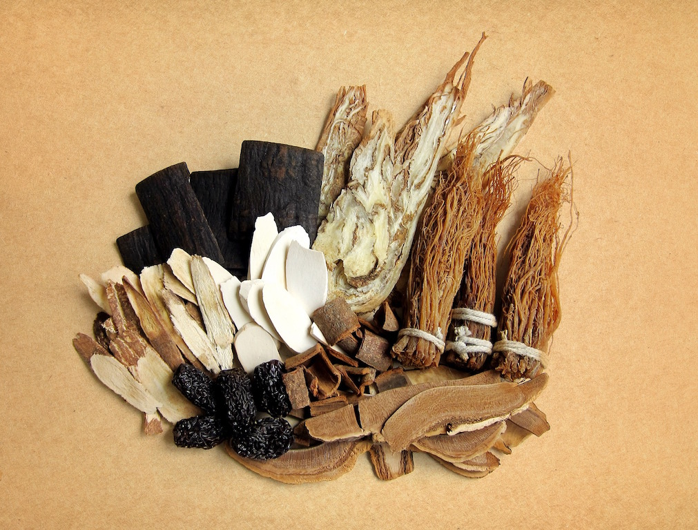 traditional-chinese-herbs-ginseng