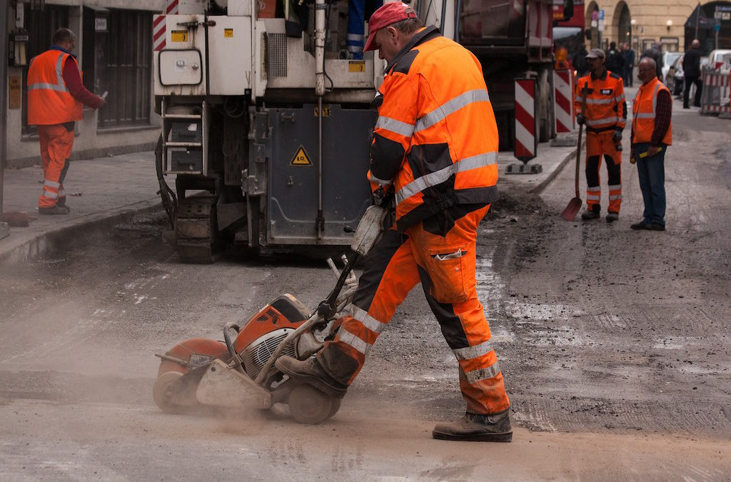 How Investing in Quality Safety Workwear Can Benefit You