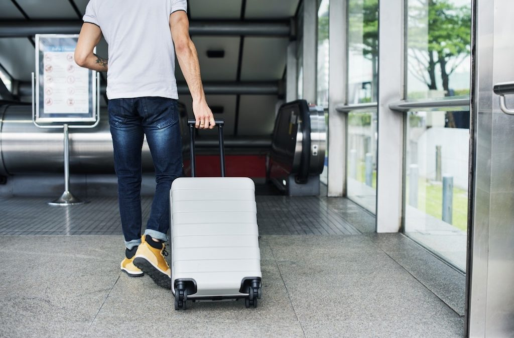 What Should You Consider When Choosing Travel Luggage?