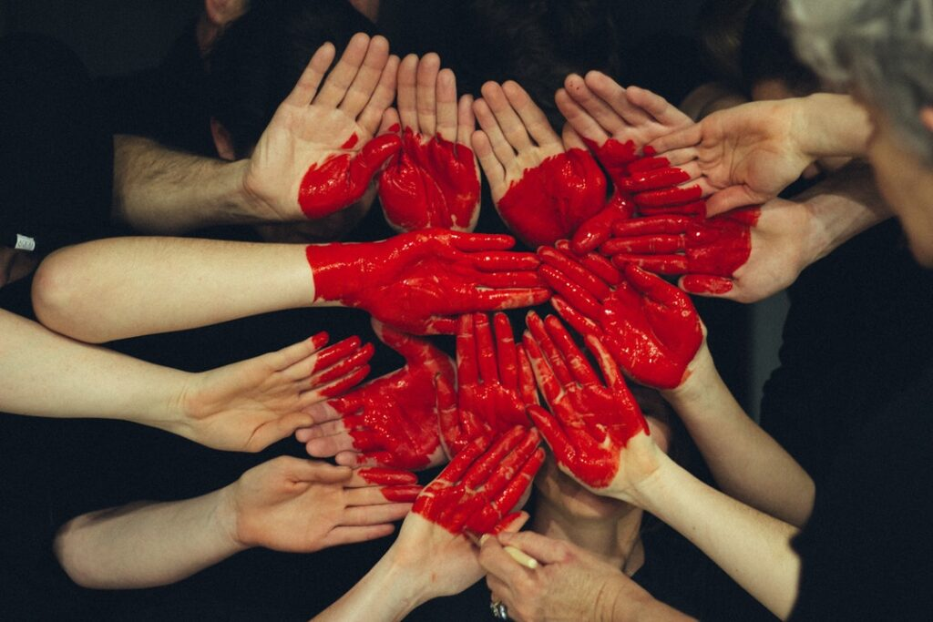 Hands-in-form-of-a-heart